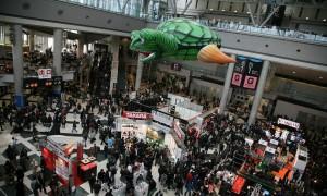 Tokyo_Big_Sight_West_Exhibition_Hall_Atrium-300x180